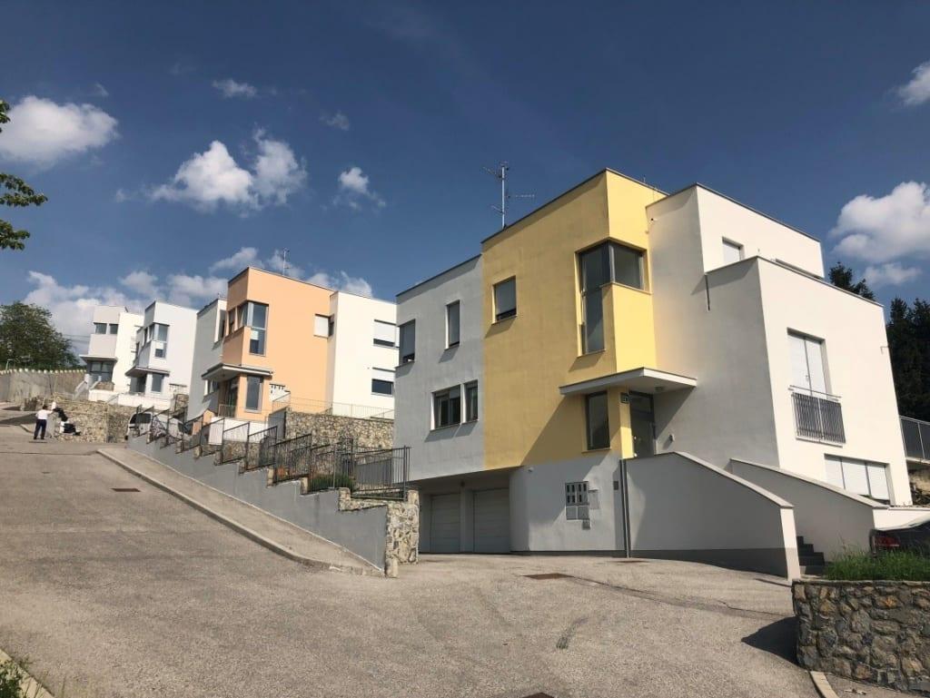 Naziv: Investicijsko vzdrževana dela na stanovanjskem kompleksu Črne vode Zagreb